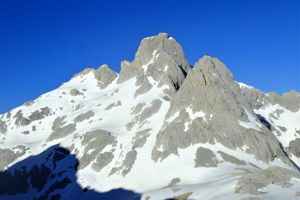 ascensión torrecerredo con guía