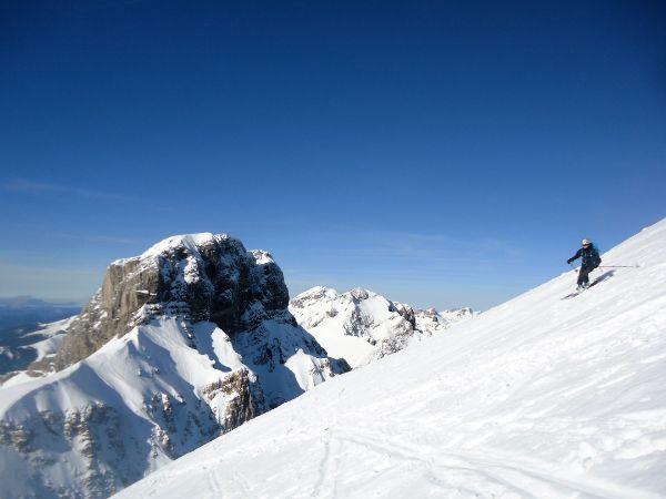 Esquí de travesía pirineos bisaurin