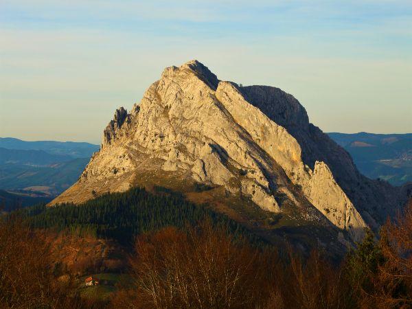 trekking y senderismo país vasco